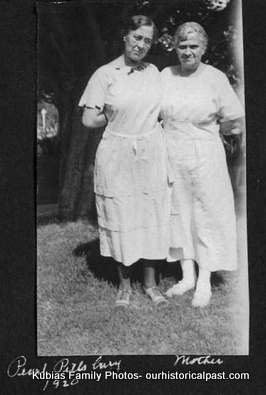 Pearl Pillsbury and Annie Laurie Moulton